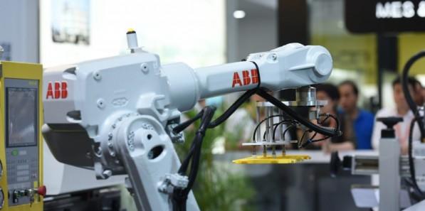 """2018国际橡塑展""""创新塑未来"""" """"智能制造 . 高新材料 . 环保科技""""吹响时代号角"""