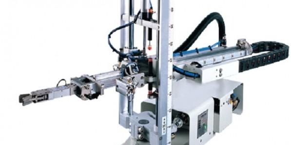 如何降低注塑机机械手的生产误差?