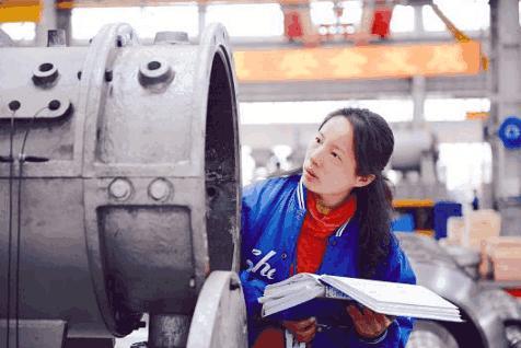 """美女设计师造""""中国芯"""", 140万吨挑战西方垄断"""