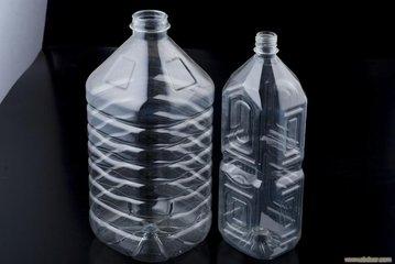一个塑料瓶的再生之旅