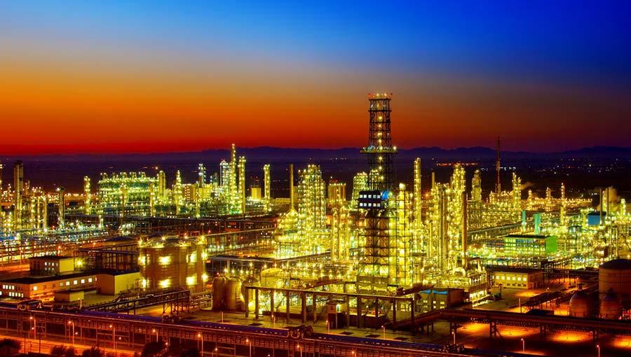 化学工业须由原料型转向材料型