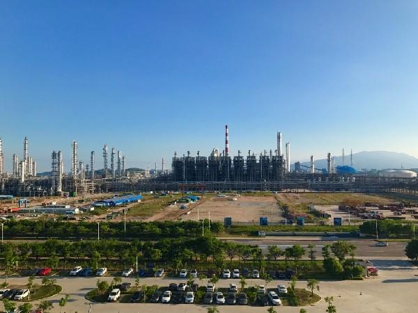 广东沿海崛起世界级石化产业带