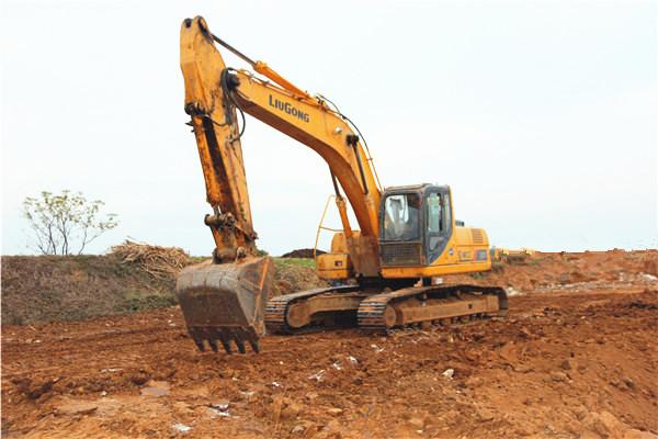 挖掘机卖疯了:3月回暖4月火爆 涨价后仍供不应求