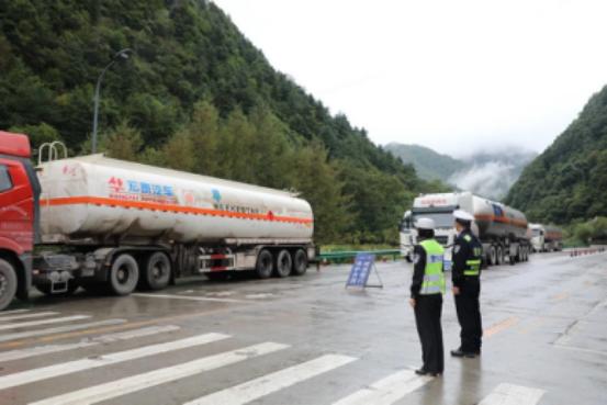 广东开展危险化学品运输交通安全专项整治行动