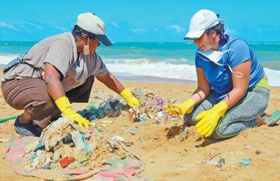 加强塑料污染治理 共同守护海洋生态(国际视点)