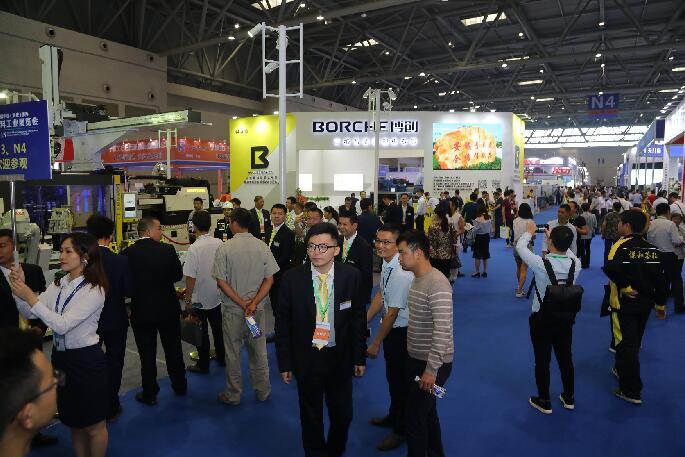 第五届中国(重庆)国际塑料工业展览会启幕